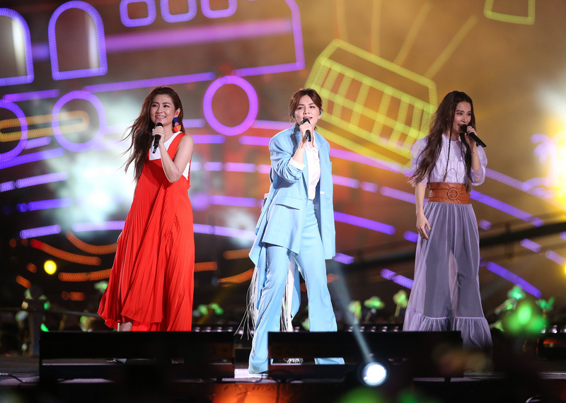 20180911 S.H.E 十七音樂會 hc group 04.jpg