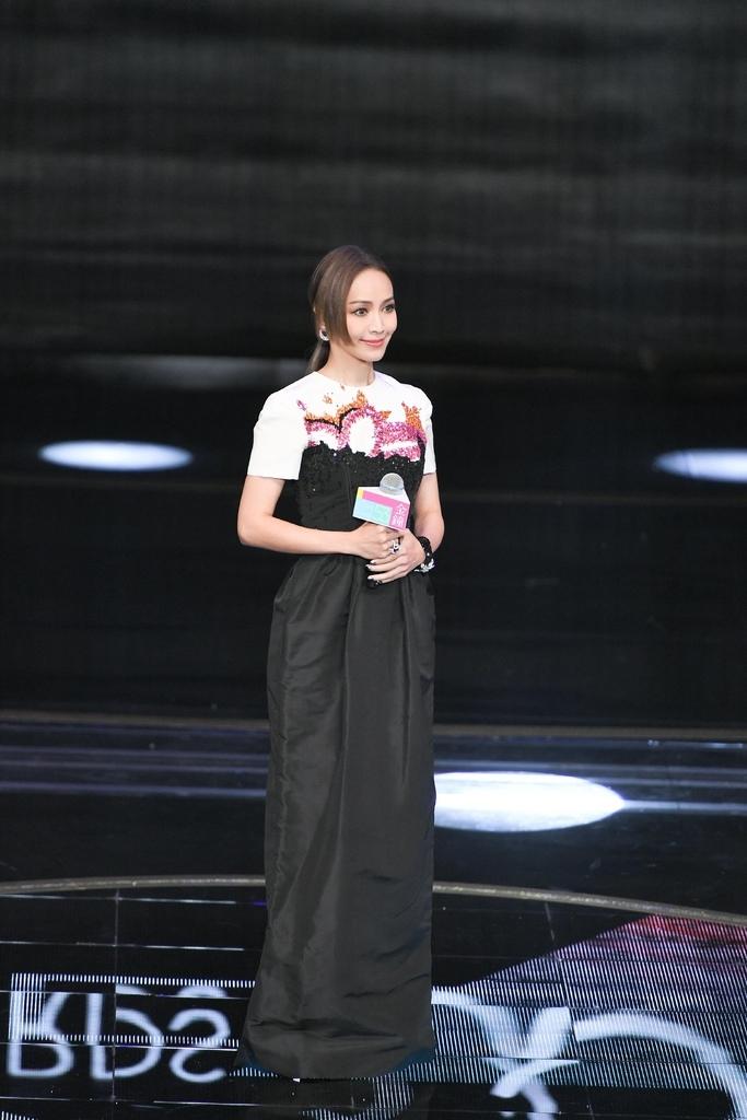 20181006 侯佩岑 第53屆 金鐘獎頒獎典禮 by hc group 05.jpg