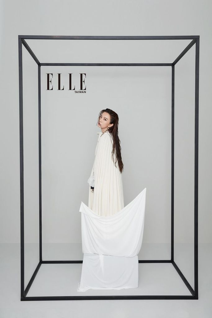 201909 elle taiwan 田馥甄 hebe 封面人物 johnny hc group 05.jpg