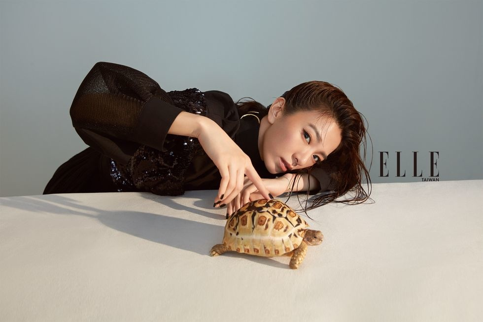 201909 elle taiwan 田馥甄 hebe 封面人物 johnny hc group 04.jpg