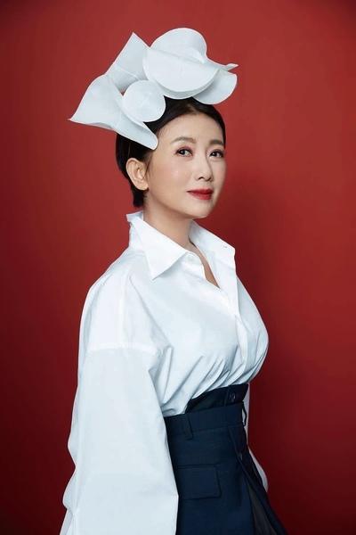 201910 周思潔 全新專輯 傻傻的花 johnny by hc group 06.jpg