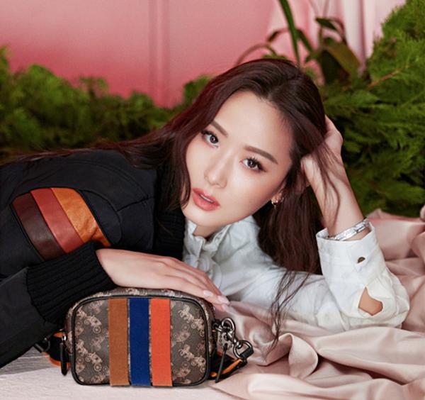 201909 elle taiwan 孫芸芸 coach 2020早春系列 專題採訪 janice hc group 04.png