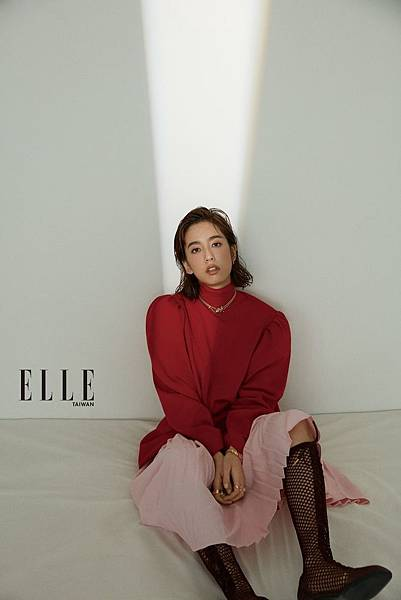 201911 elle taiwan 十一月 陳庭妮 封面人物 sandy by hc group 08.jpg