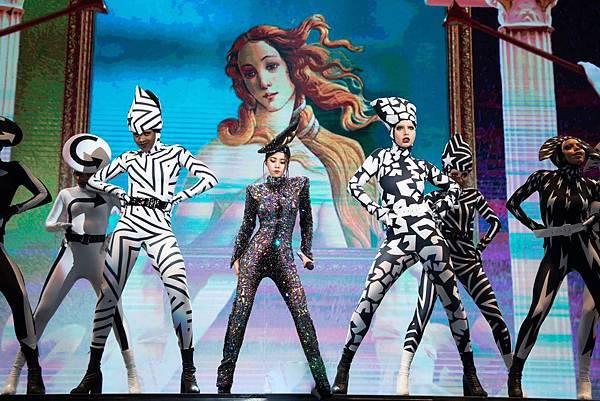 蔡依林 jolin UGLY BEAUTY 世界巡迴演唱會 台北站 05日 johnny by hc group 10.jpg