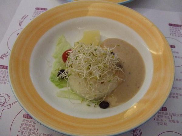 小蔥點大套餐,餐前沙拉,千島醬有加梅子,味道不錯