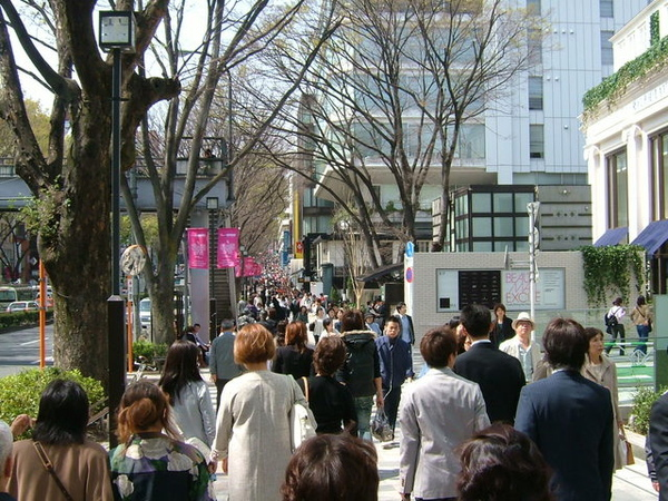 非假日也這樣人山人海,東京實在是很可怕的都市