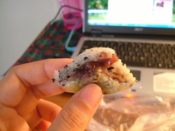 但日本人真的很會調味,紅豆內餡香甜不膩,很爽口