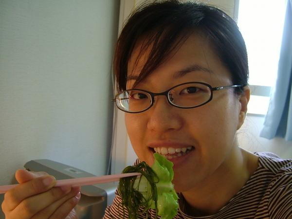 紫蘇醬汁配上生菜,我的最愛,好吃!