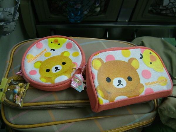 新敗的可愛小熊零錢包跟化妝包