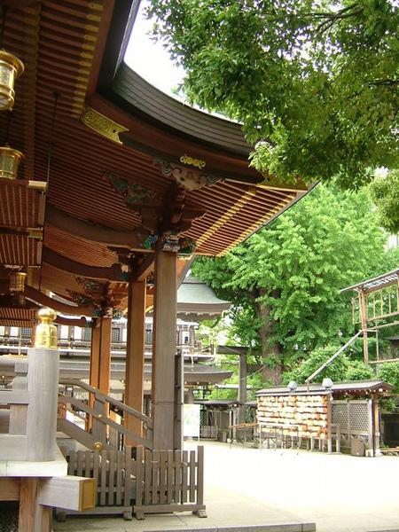 不過一進神社,心情真的就會自然變得很平靜耶