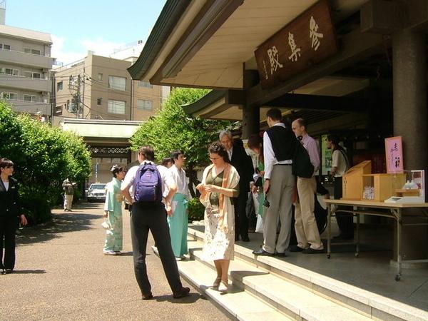 好感動喔~所有親友都從國外特地來參加婚宴。