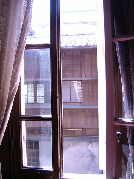主棟洋房窗戶外望景觀