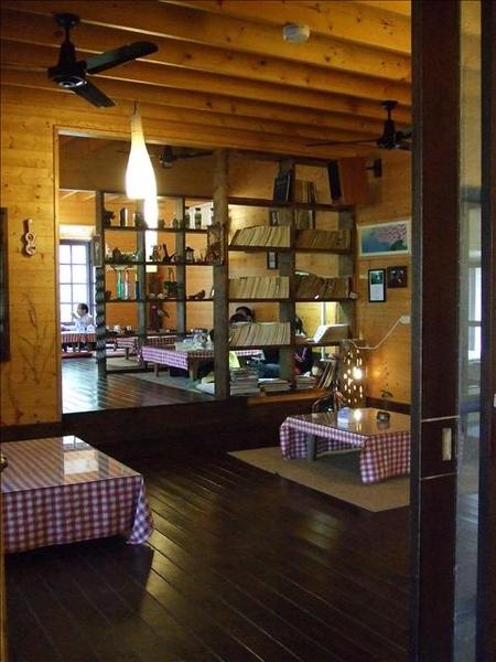 餐廳內部另有和室用餐區