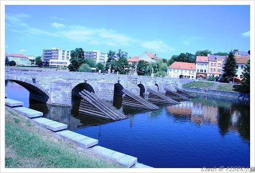 捷克最古老的橋墩