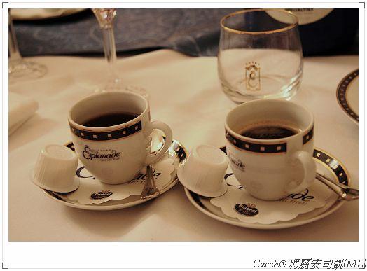 飯後來杯香醇咖啡