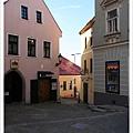 穿過這重重小巷就能到達城堡