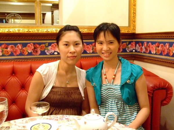 兩位超級辣媽,即將臨盆的芳琪和兒子已經五歲的蕙雯