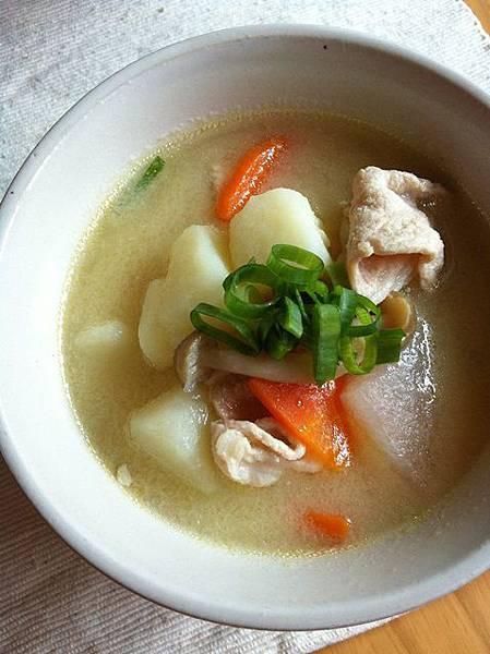 140429 豚汁.豬肉蔬菜味噌湯