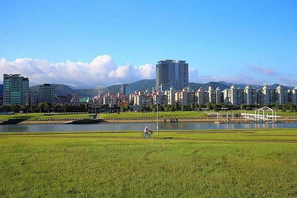 美堤河濱公園1