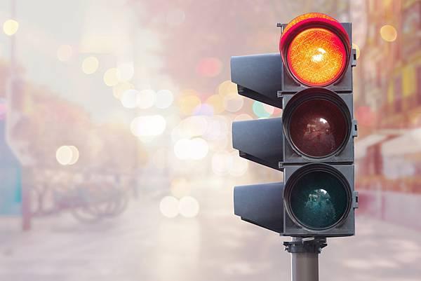 Lovepik_com-500918691-traffic-light-safety-first