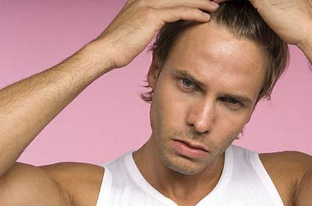 【頭髮保養_頭皮保養】禿頭年輕化 不良生活習慣引起