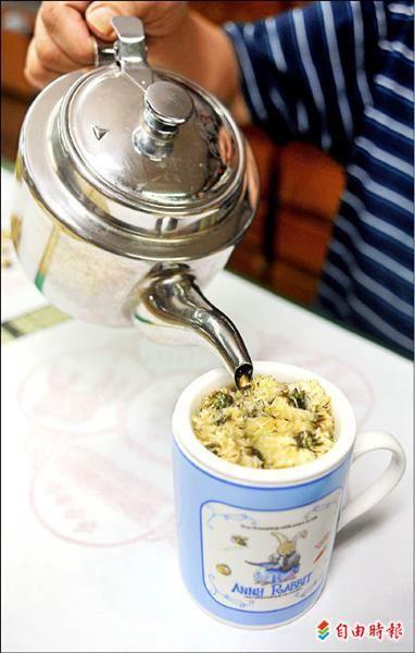 沖泡菊花茶 第一、二泡最好別喝