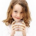 防病、減肥又養顏 普通白開水功效非凡