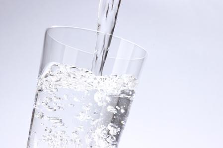 神奇一杯水 整治十種病