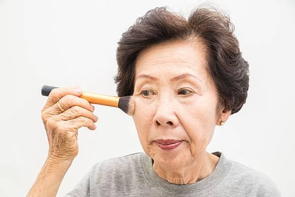 一家三代美麗到老 長者化妝增自信 防失智.jpg