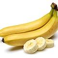香蕉含維他命B6、C和鉀等必需營養素,幫助修復喉嚨組織。.jpg