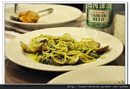 [聚餐]2010政經所迎新_1.jpg
