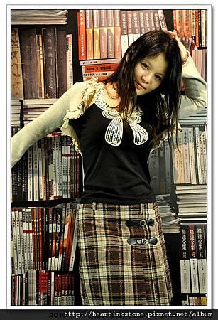 台灣文學館(人像))(20101107)1