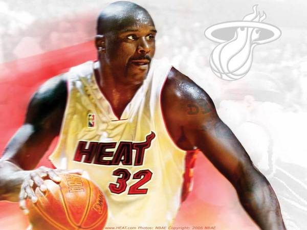 whitehotwallpaper_0506_shaq_1024.jpg