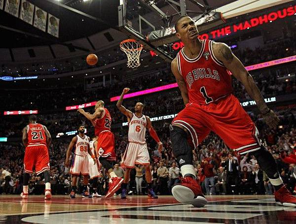 Derrick-Rose-Chicago-Bulls-NBA-640x485.jpg