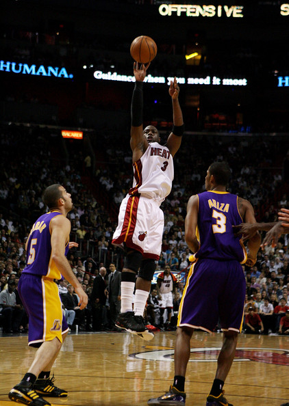 Los+Angeles+Lakers+v+Miami+Heat+rAM5yPv1BMgl.jpg