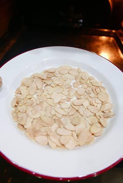 烤過杏仁片