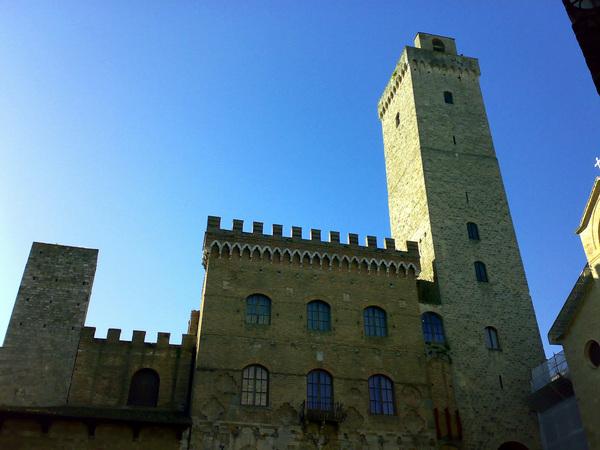 聖吉米安諾主鐘樓