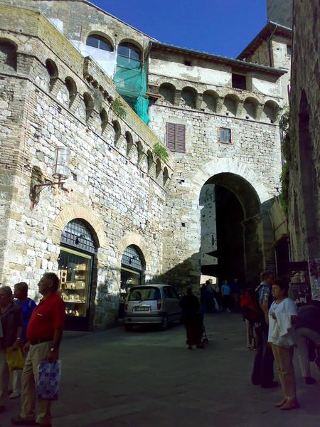 聖吉米安諾舊城門
