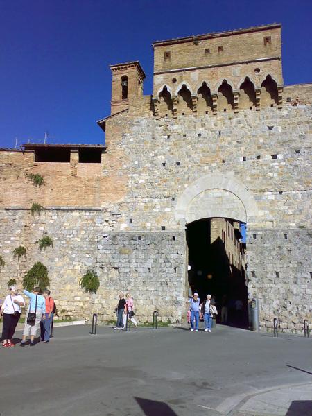 聖吉米安諾新城門