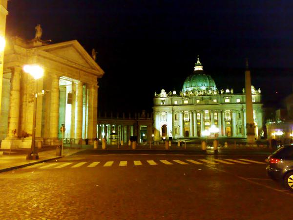 聖彼得大教堂前面的大廣場
