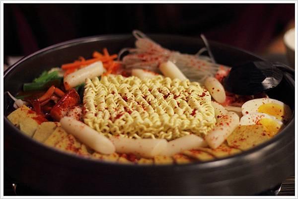 2011-0805-辣年糕鍋.jpg