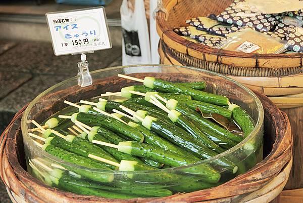 2011-京都之旅-小黃瓜醃漬物.jpg