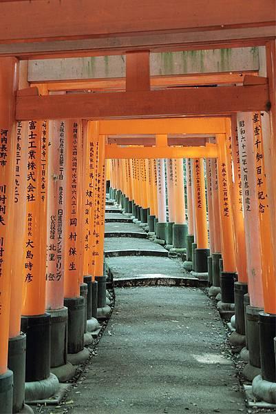 2011-京都之旅-稻禾神社-鳥居-03.jpg
