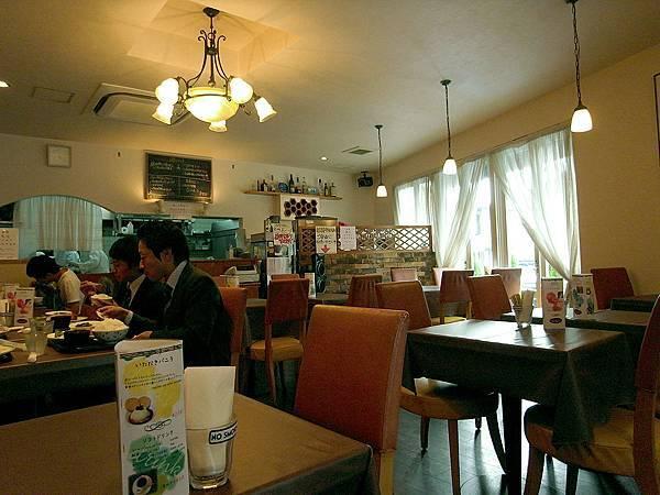 2011-京都之旅-第四天-前往鹿苑寺途中的洋食店-02.jpg