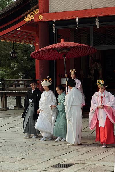 2011-京都之旅-第五天-八坂神社-巧遇日式婚禮-01.jpg