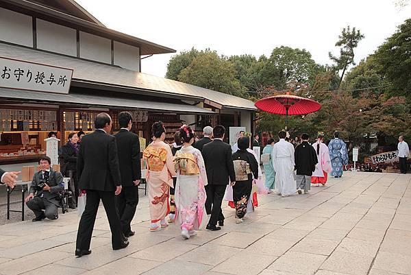 2011-京都之旅-第五天-八坂神社-巧遇日式婚禮-03.jpg