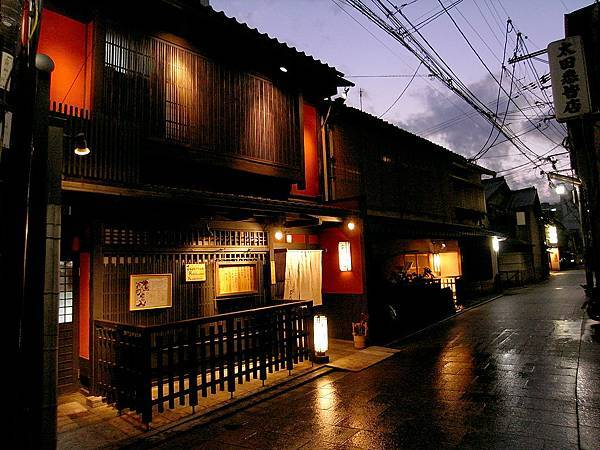 2011-京都之旅-第五天-花見小路-02.jpg