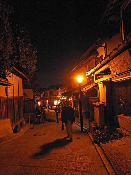 2011-京都之旅-第七天-夜訪二三年坂-01.jpg