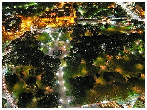 Sydney-Sydney Tower night-02.jpg