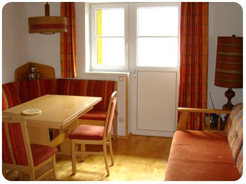 hallstatt hostal-01.jpg